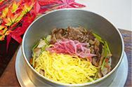 【ならや】人気の「牛釜飯」はいかがですか