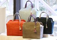 【幡・INOUE】今春登場の手織り麻のバッグ